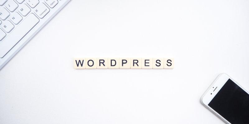 Wordpress écrit en pièces de Scrabble